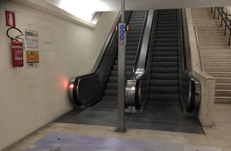 Si bloccano le scale mobili di San Francesco, forti disagi