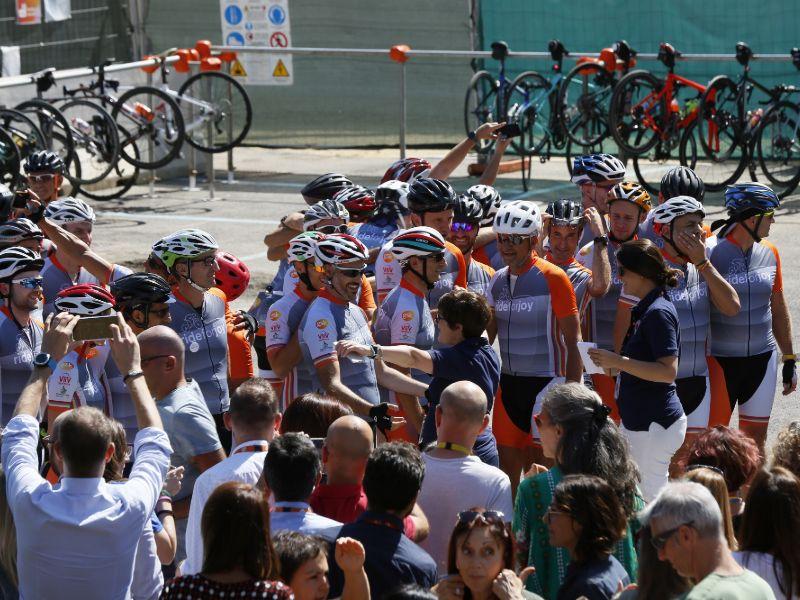 "E' partita da Siena l'avventura GSK ""Ride for Joy"": una corsa in bici per Dynamo Camp"