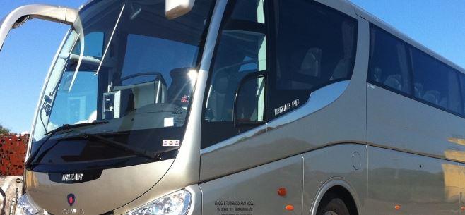 Attracco selvaggio dei bus turistici, pronte multe da 300 euro