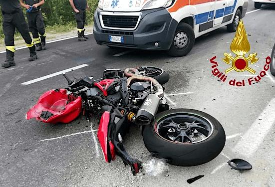 Moto contro un suv, 53enne del senese muore in Umbria