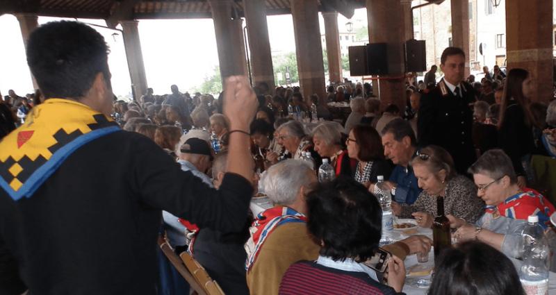 """""""Pranzo coi nonni"""": torna l'appuntamento delle Contrade al Tartarugone"""