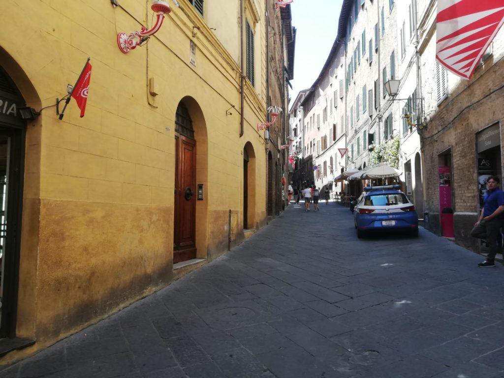 Stangata per i commercianti protagonisti di risse e reati in Via dei Rossi