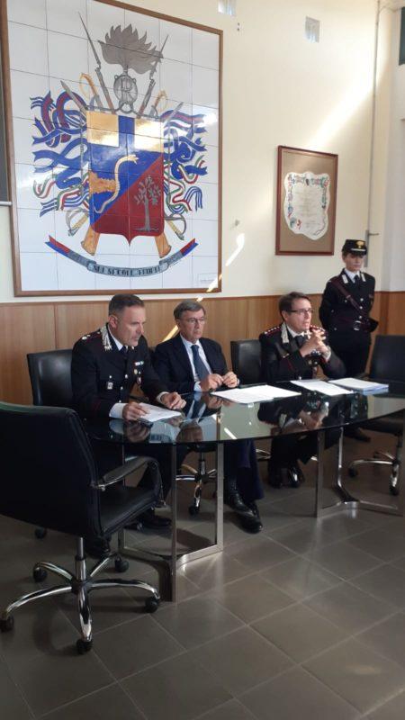 """Operazione """"Silvestre"""": i carabinieri stroncano banda di spacciatori attiva in Valdelsa – VIDEO"""