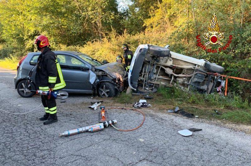 Incidente sulla Sp135, si ribalta un'auto