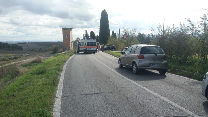 Scontro tra auto e moto nella strada delle Ville di Corsano