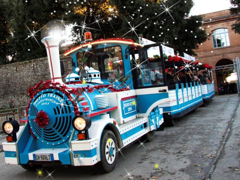 Natale A.Natale A Siena Torna Il Trenino Per Le Strade Della Citta