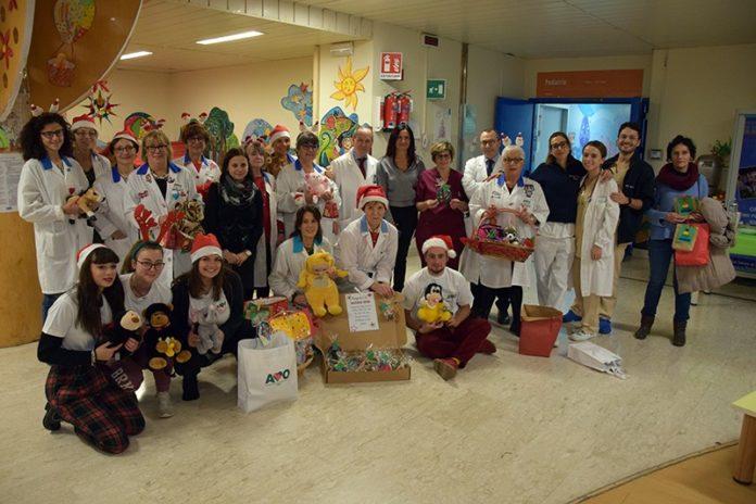 Dipartimento donna e bambini: festa di Natale dell'Avo e doni offerti dalla scuola Tozzi