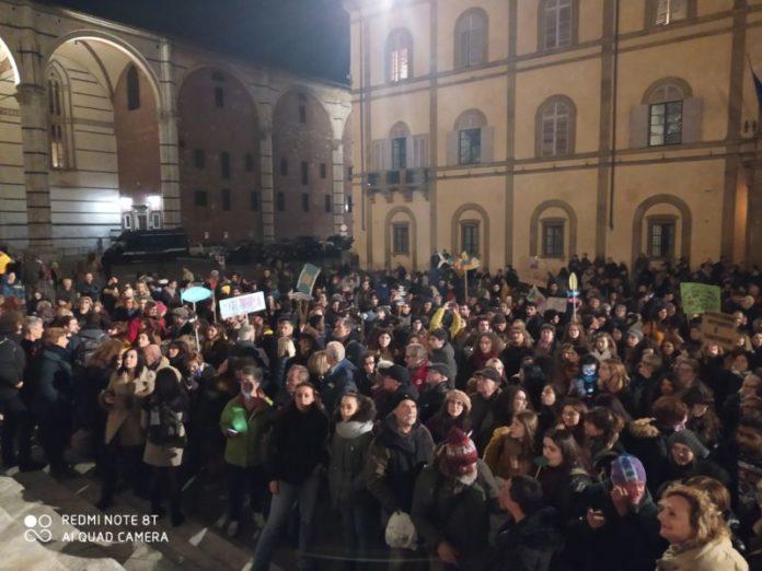 Iniziativa di Fusaro a Siena, le Sardine scendono di nuovo in piazza