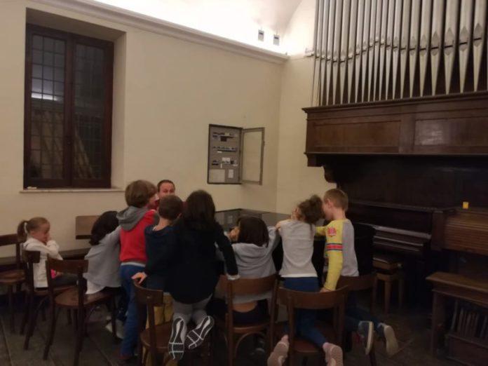 Cantare insieme per conoscere la tradizione e imparare a sperimentare. Parte il coro per ragazzi del Community HUB