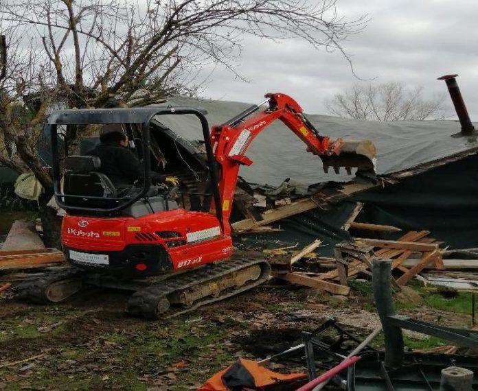 Poggibonsi, demoliti manufatti abusivi a Campotatti