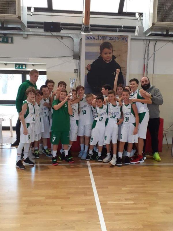Gli Under 13 Mens Sana Basketball vincono il torneo Baloncesto