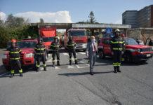Vigili del Fuoco di Siena portano il loro saluto ai professionisti delle Scotte impegnati contro il virus