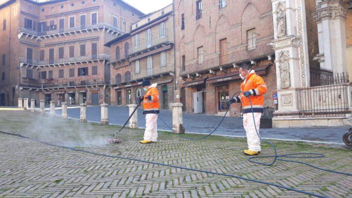 Coronavirus, sanificazione ed igienizzazione in Piazza del Campo