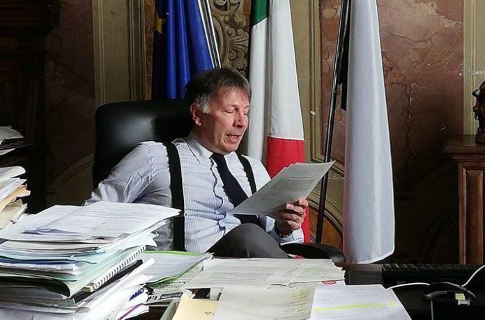 """De Mossi: """"Impacchettamento e consegna mascherine, massimo controllo e presidio. 350 richieste di buoni spesa"""""""