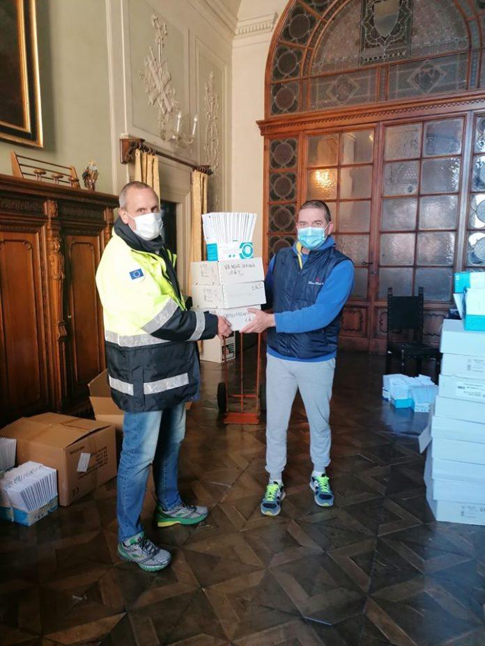 Riprende oggi la consegna delle mascherine alle famiglie di Siena