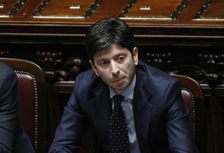 Toscana in zona rossa da domenica 15, firmata l'ordinanza