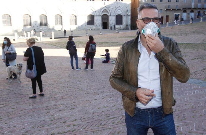 """""""Io il 3 Maggio esco"""": in Piazza del Campo l'iniziativa lanciata da Antonio Degortes"""
