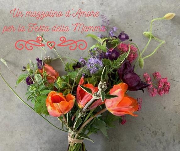 Auguri alla mamma con i fiori di Quavio