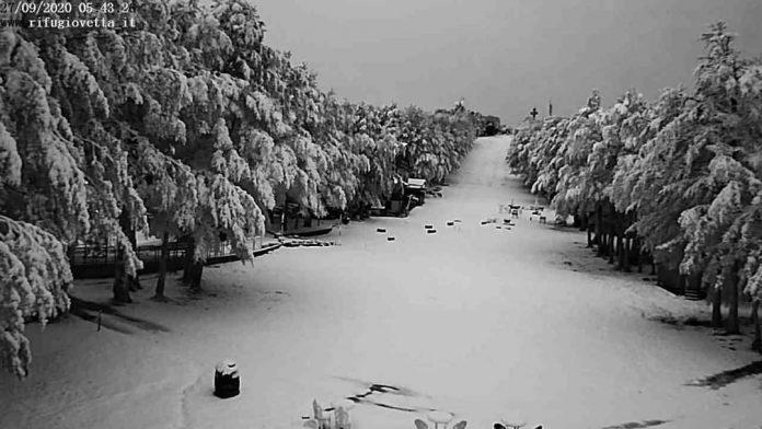 Super nevicata, monte Amiata completamente bianco