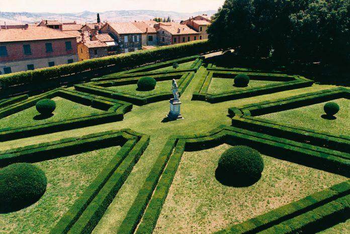 Il Giardino di Boboli studia il restauro degli Horti Leonini di San Quirico d'Orcia