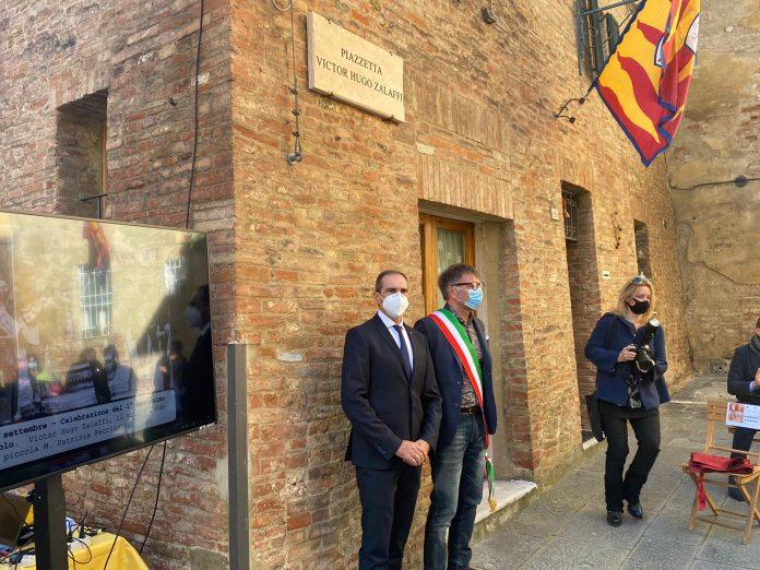 """Contrada della Chiocciola, inaugurata la piazzetta """"Victor Hugo Zalaffi"""" – FOTO"""