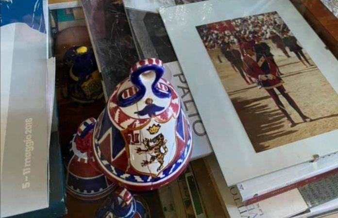 La Pantera acquista 150 campanine da regalare ai bambini