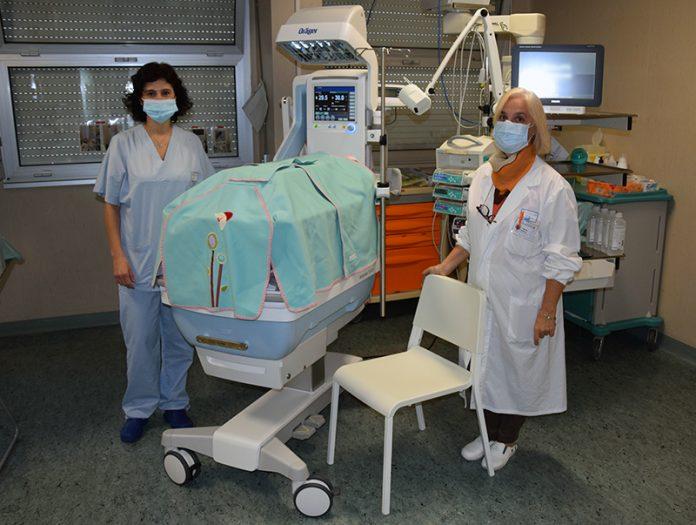 Scotte: dona gli arredi alla family room della terapia intensiva neonatale prima di andarsene