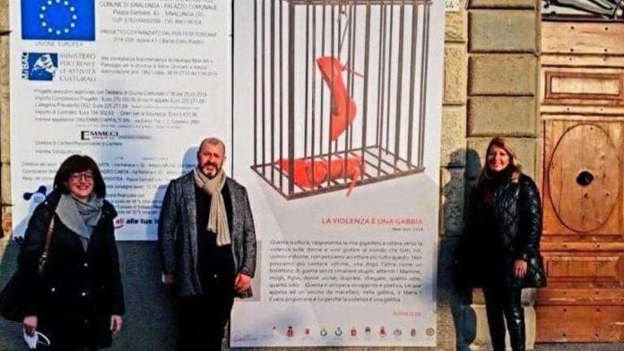 """""""La violenza è una gabbia"""" l'opera di Anna Izzo prosegue la staffetta nei comuni"""