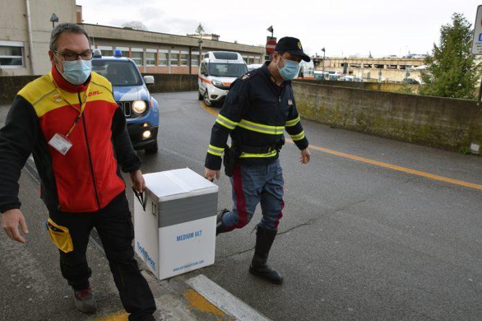 Asl Sud Est: ospiti Rsa e operatori medici, vaccinate finora 2250 persone in provincia di Siena