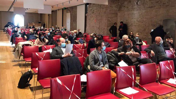 Siena: Mps, domani in Consiglio pronta una mozione unitaria per dare mandato al sindaco di dialogare col governo