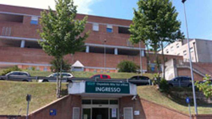 Ambienti rinnovati e un ecografo portatile a senologia: le donazioni di Valdelsa Donna all'ospedale di Campostaggia
