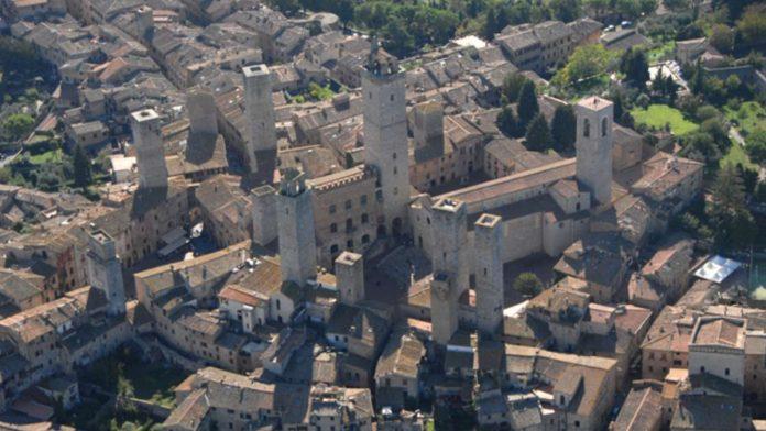 """San Gimignano, un albo dei """"cittadini attivi"""" per la cura dei beni comuni urbani"""