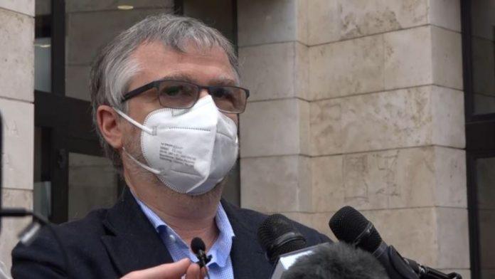 Caos vaccini, nel mirino dell'opposizione l'assessore regionale Bezzini