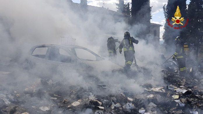 Vigili del fuoco, domati due incendi a Castellina in Chianti e San Rocco a Pilli