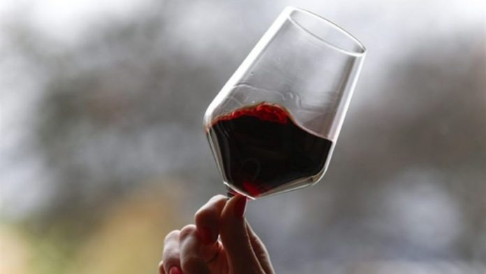 """Consorzio Vino Chianti: vendemmia 2021, sospiro di sollievo, produzione cala """"solo"""" del 15%"""