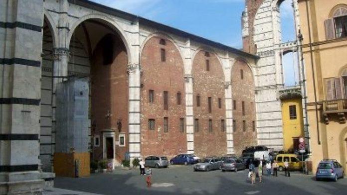 Piazzetta Jacopo della Quercia, un emendamento per evitare che diventi un parcheggio