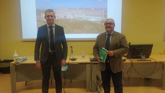 """Agorà AOUS, presentato il libro di Daniele Magrini """"Il potere del virus"""""""