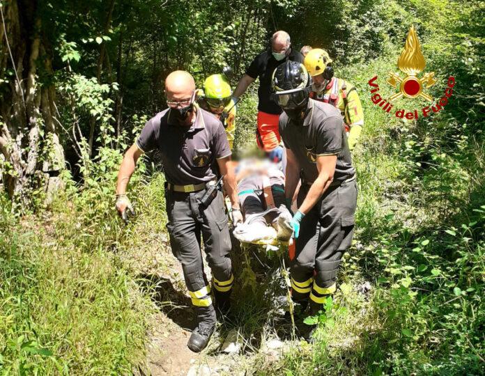 Cade da cavallo in un luogo impervio a Castellina in Chianti: 67enne in gravi condizioni salvato dopo lunghe operazioni