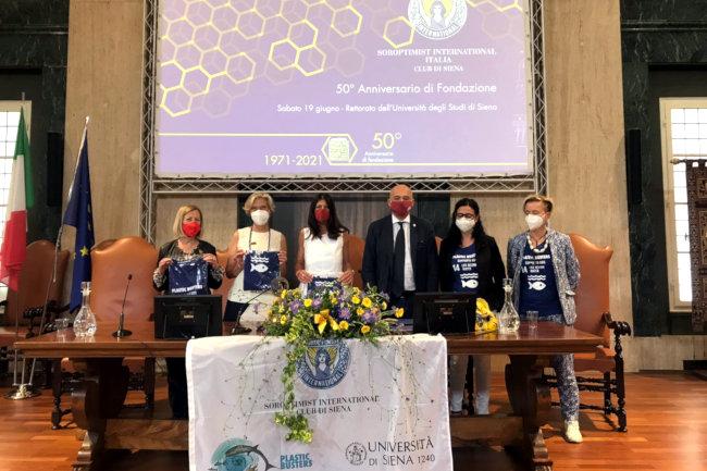 """Soroptimist compie 50 anni e finanzia progetto di ricerca """"Plastic Busters"""" dell'Ateneo di Siena"""