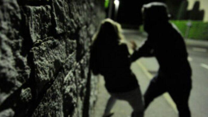 Presunta violenza di gruppo ai danni di una 20enne a Siena: la Procura apre un fascicolo