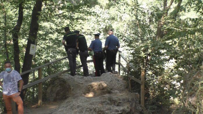 Tragedia nel fiume Elsa: trovato senza vita il corpo del 17enne disperso