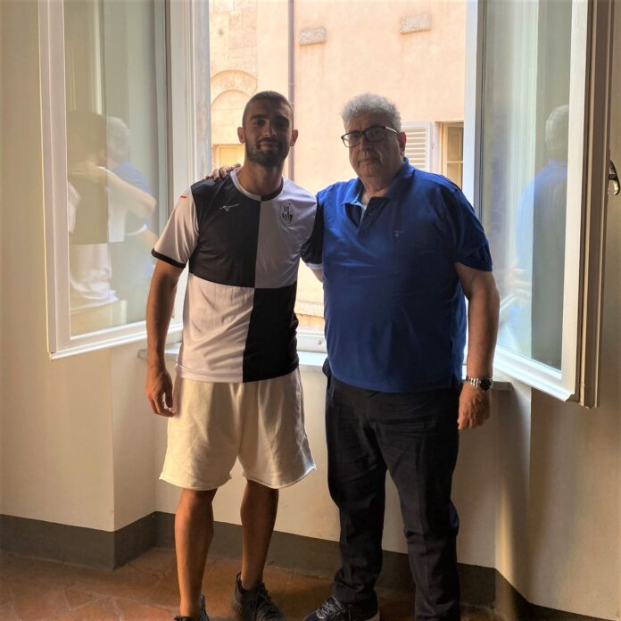 Il centrocampista Acquadro rinforza il Siena