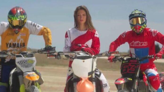 """La pilota senese Elisa Galvagno nel videoclip di Jovanotti e Morandi """"Allegria"""""""