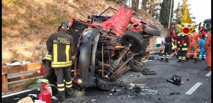 Incidente a Castellina in Chianti, due persone incastrate