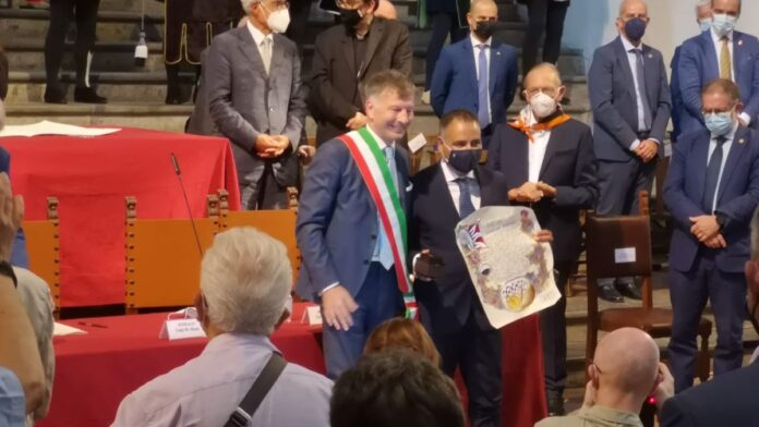 Premio Mangia, la medaglia a Lorenzo Granai presentata da Massimo Bianchi