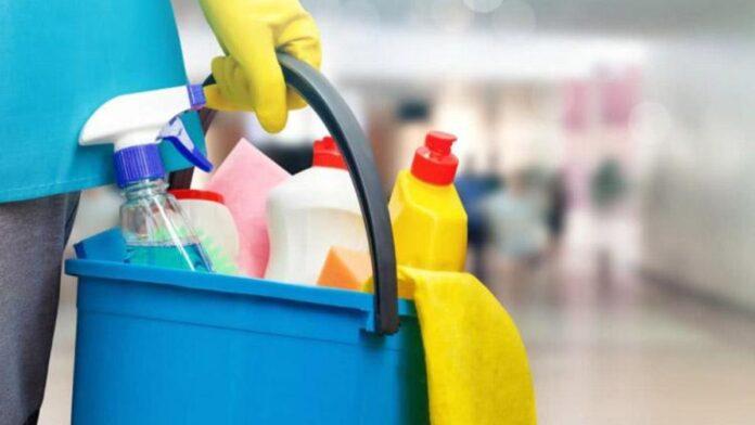Poggibonsi, sciopero delle lavoratrici delle pulizie dell'Agenzia delle Entrate