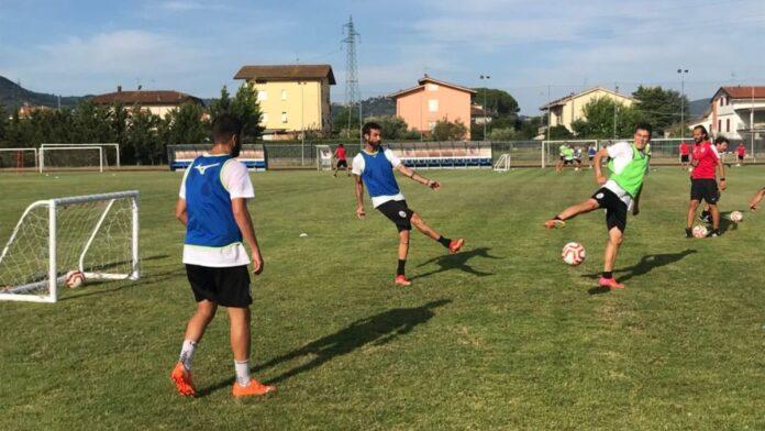 """Alle 21 su Siena Tv """"Bianconeri in ritiro"""": interviste e mercato da Montecatini"""