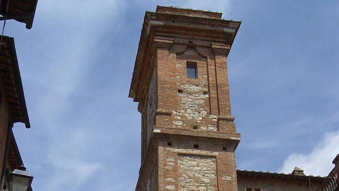 Castelnuovo: convezione tra Comune e Associazione Filarmonico Drammatica per aprire al pubblico la Torre dell'orologio