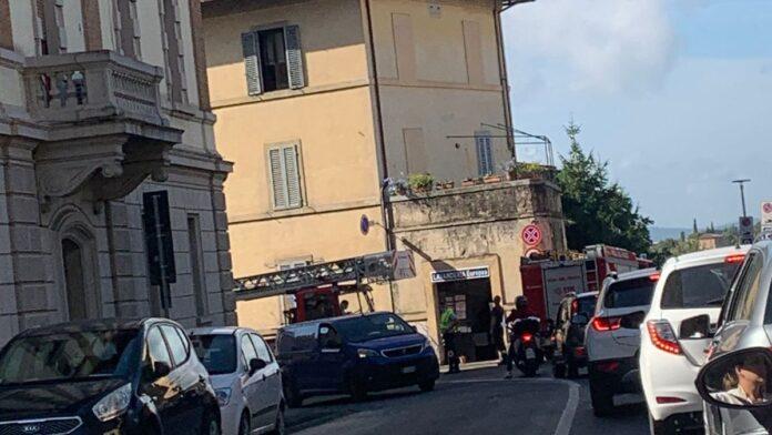 Siena: cadono tegole, bloccata via Biagio di Montluc