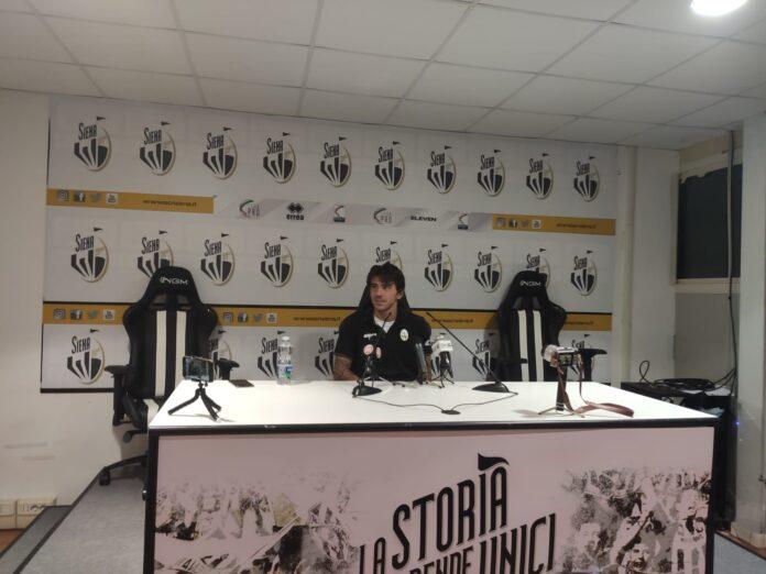 """Siena-Carrarese, primo gol per Paloschi: """"Ho pensato ai giorni a casa ad allenarmi da solo"""""""